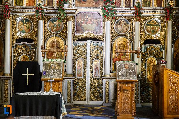 biserica-ortodoxa-sf-nicolae-din-orastie-judetul-hunedoara-mai-multe-obiecte-de-cult.jpg