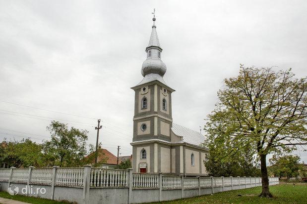 biserica-reformata-din-amati-judetul-satu-mare.jpg