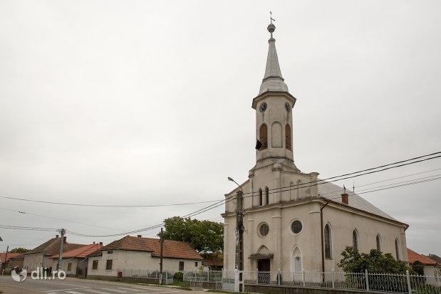biserica-reformata-din-ambud-judetul-satu-mare.jpg