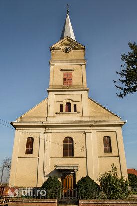 biserica-reformata-din-curtuiseni-judetul-bihor.jpg