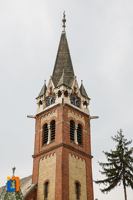 biserica-reformata-din-deva-judetul-hunedoara-imagine-cu-turnul.jpg