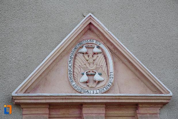 biserica-reformata-din-hunedoara-judetul-hunedoara-detaliu-de-arhitectura.jpg
