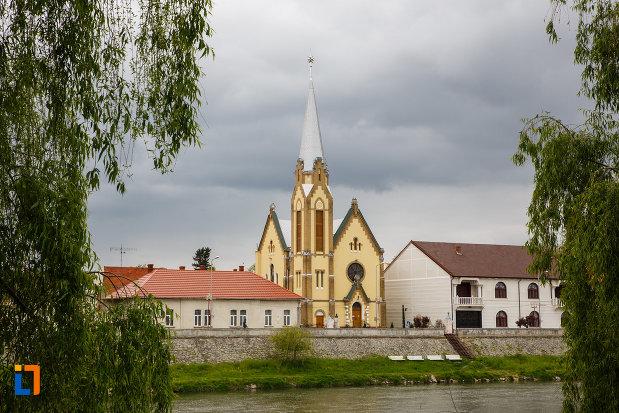 biserica-reformata-din-lugoj-judetul-timis.jpg