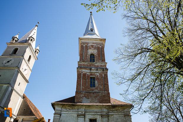 biserica-reformata-din-orastie-judetul-hunedoara-imagine-cu-partea-de-sus.jpg