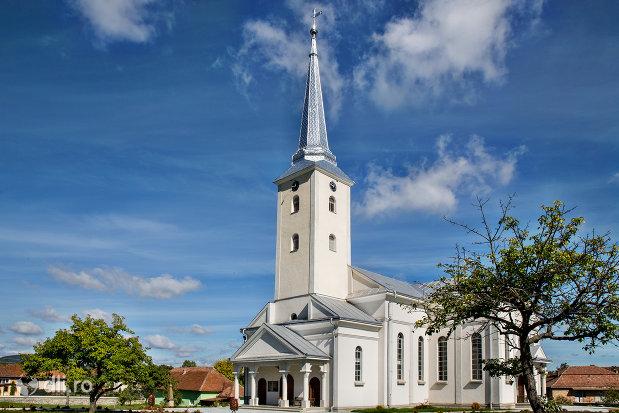 biserica-reformata-din-orasul-nou-judetul-satu-mare-vedere-laterala.jpg