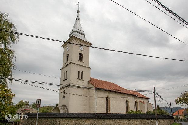 biserica-reformata-din-tautii-magheraus-judetul-maramures.jpg