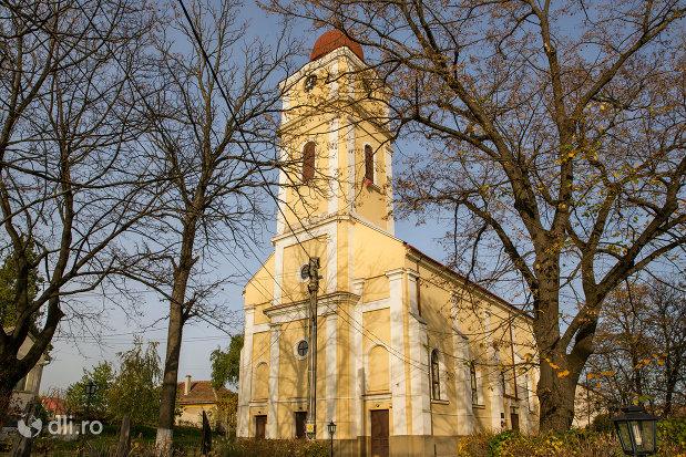 biserica-reformata-din-valea-lui-mihai-judetul-bihor.jpg