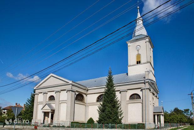biserica-reformata-din-viile-satu-mare-judetul-satu-mare-vedere-laterala.jpg