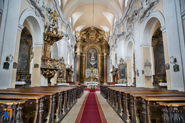 biserica-romana-catolica-sfanta-treime-din-cluj-napoca-judetul-cluj.jpg