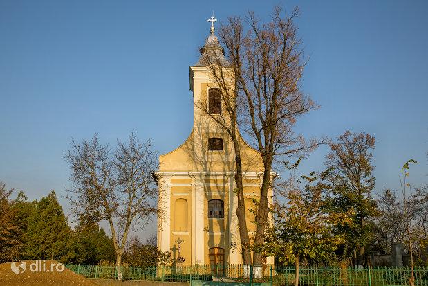 biserica-romano-carolica-din-adoni-judetul-bihor.jpg