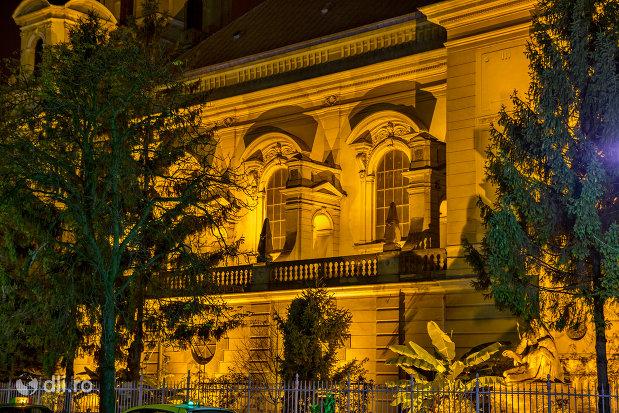 biserica-romano-catolica-coborarea-sfantului-duh-din-oradea-judetul-bihor-noaptea.jpg