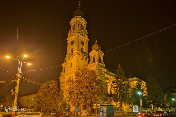 biserica-romano-catolica-coborarea-sfantului-duh-din-oradea-judetul-bihor.jpg