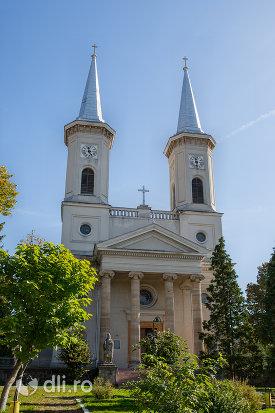 biserica-romano-catolica-din-baia-sprie-judetul-maramures.jpg