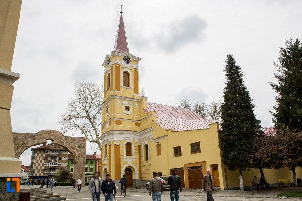 biserica-romano-catolica-din-caransebes-1725-judetul-caras-severin.jpg