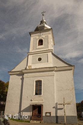 biserica-romano-catolica-din-cavnic-judetul-maramures.jpg
