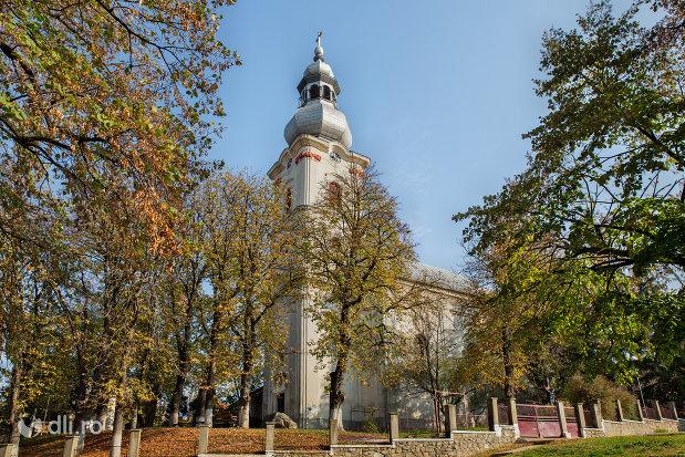 biserica-romano-catolica-din-sacueni-judetul-bihor.jpg