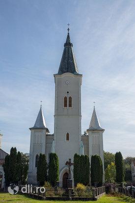 biserica-romano-catolica-din-seini-judetul-maramures.jpg