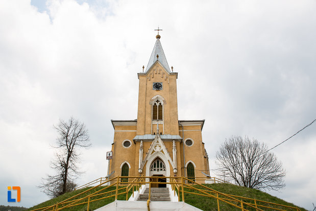 biserica-romano-catolica-din-steierdorf-judetul-caras-severin.jpg