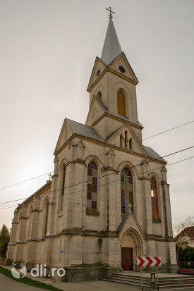biserica-romano-catolica-din-valea-lui-mihai-judetul-bihor.jpg