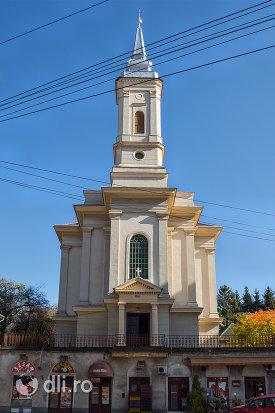 biserica-romano-catolica-din-zalau-judetul-salaj-imagine-frontala.jpg