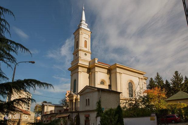 biserica-romano-catolica-din-zalau-judetul-salaj.jpg