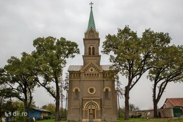 biserica-romano-catolica-sf-anton-din-oradea-judetul-bihor.jpg