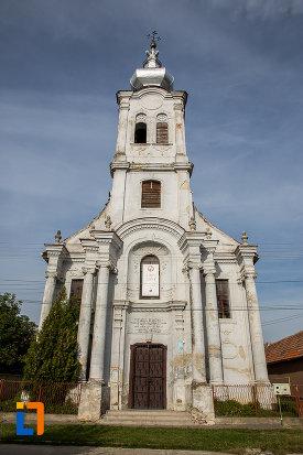 biserica-romano-catolica-sf-apostoli-petru-si-pavel-a-fostei-manastiri-mechitariste-din-dumbraveni-judetul-sibiu.jpg