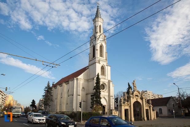 biserica-romano-catolica-sf-pertu-din-cluj-napoca-judetul-cluj.jpg