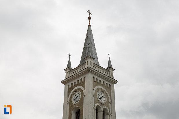 biserica-romano-catolica-sf-varvara-din-petrosani-judetul-hunedoara-turnul-cu-ceasuri.jpg