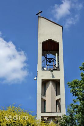 biserica-romano-catolica-sfantul-duh-din-satu-mare-turn-clopote.jpg