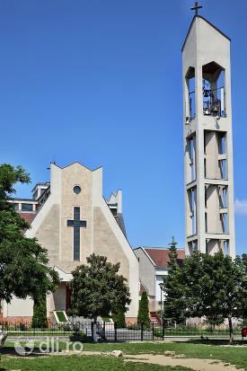 biserica-romano-catolica-sfantul-duh-din-satu-mare-vedere-din-fata.jpg