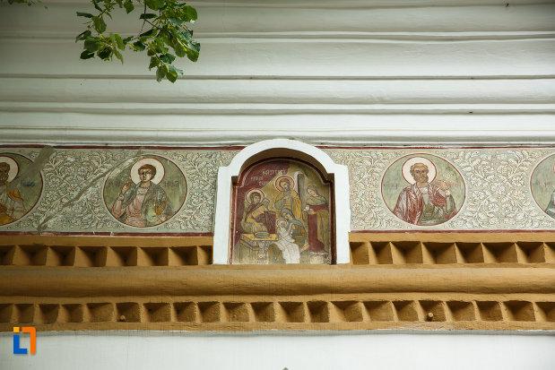 biserica-sapunaru-nasterea-maicii-domnului-1783-din-focsani-judetul-vrancea-imagine-cu-picturi-murale.jpg