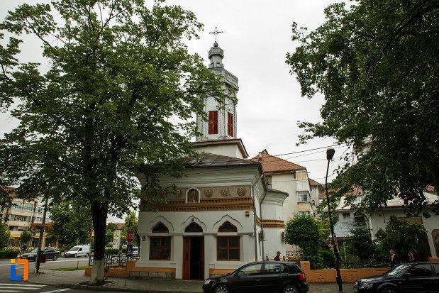 biserica-sapunaru-nasterea-maicii-domnului-1783-din-focsani-judetul-vrancea.jpg