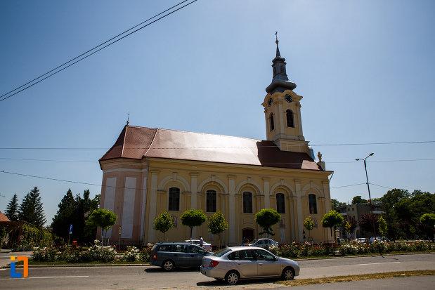 biserica-sarbeasca-adormirea-maicii-domnului-1787-din-sannicolau-mare-judetul-timis-vazuta-din-lateral.jpg