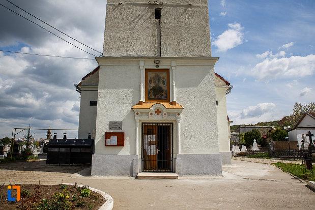 biserica-schimbarea-la-fata-din-hunedoara-judetul-hunedoara-poza-cu-partea-de-jos.jpg