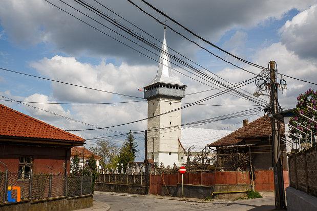 biserica-schimbarea-la-fata-din-hunedoara-judetul-hunedoara-situata-in-cimitirul-orasului.jpg