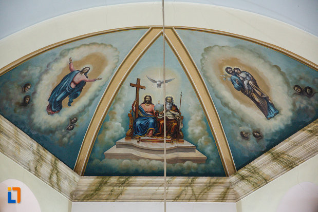 biserica-sf-anton-din-ramnicu-valcea-judetul-valcea-imagine-cu-bolta-pictata.jpg