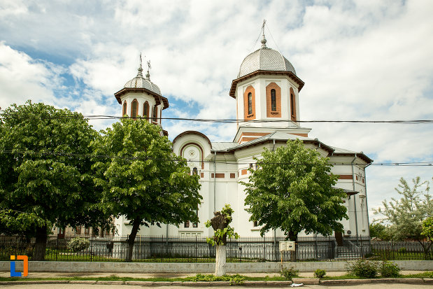 biserica-sf-apostoli-si-sf-gheorghe-din-caracal-judetul-olt.jpg