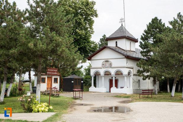 biserica-sf-arhagheli-mihail-si-gavril-din-mihailesti-judetul-giurgiu.jpg