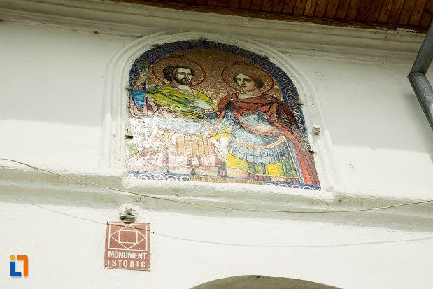 biserica-sf-arhangheli-din-slatina-judetul-olt-monument-istoric.jpg