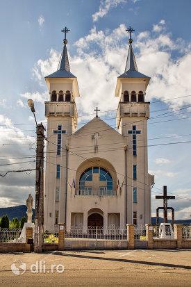 biserica-sf-dumitru-din-tarsolt-judetul-satu-mare.jpg