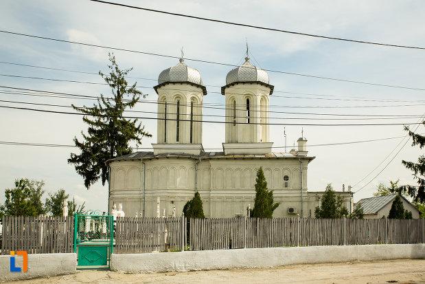 biserica-sf-dumitru-si-stefan-din-bals-judetul-olt-vazuta-din-lateral.jpg