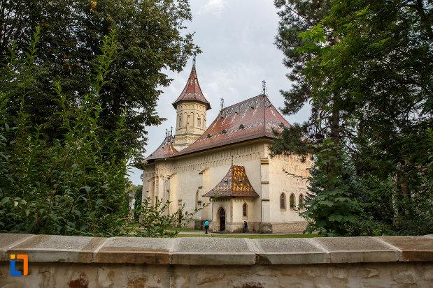 biserica-sf-gheorghe-1522-din-suceava-judetul-suceava-vazut-din-spate.jpg