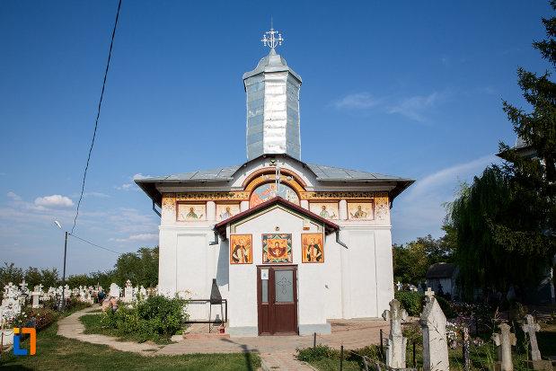 biserica-sf-gheorghe-1863-din-fierbinti-targ-judetul-ialomita-vazuta-din-fata.jpg