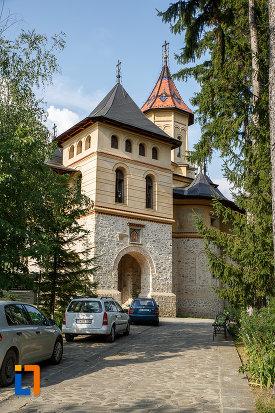 biserica-sf-gheorghe-mirauti-1391-din-suceava-judetul-suceava.jpg