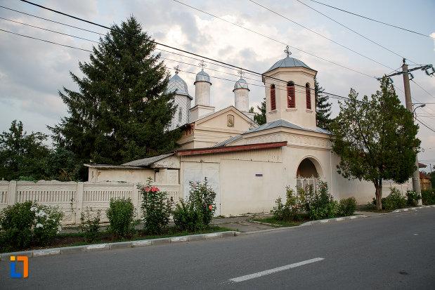biserica-sf-ilie-1833-din-rosiorii-de-vede-judetul-teleorman.jpg