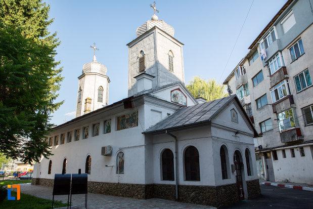 biserica-sf-ilie-din-gaesti-judetul-dambovita-2.jpg
