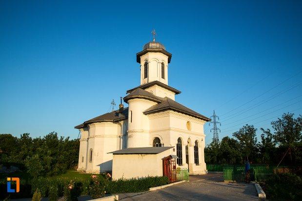 biserica-sf-imparati-constantin-si-elena-din-buzau-judetul-buzau.jpg