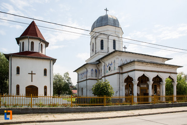 biserica-sf-imparati-constantin-si-elena-din-cernavoda-judetul-constanta.jpg