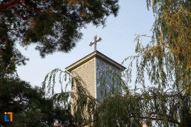 biserica-sf-ioan-botezatorul-1845-din-rosiorii-de-vede-judetul-teleorman-turnul-principal.jpg